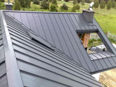 Pokrycie dachu blachą na klik