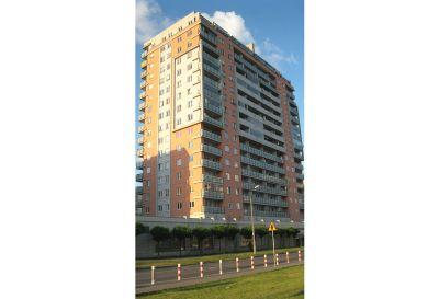Kompleksowe  wykonanie elewacji 16-pietrowy  blok mieszkaniowy  2007  Warszawa ul. Fieldorfa